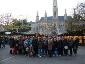 Na vánočních trzích před Wiener Rathaus