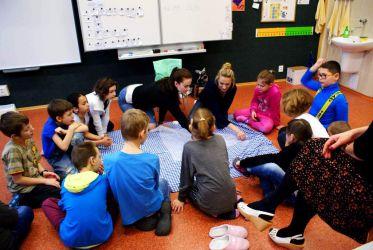 Učíme první pomoc na ZŠ logopedické v Liberci